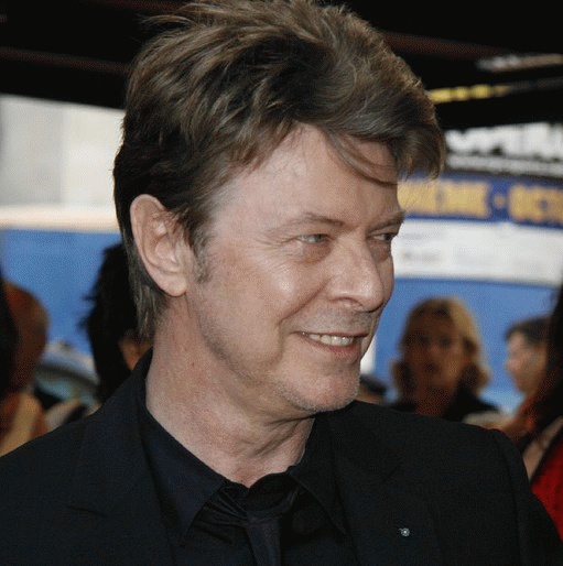 David Bowie (*08. Januar 1947, †10. Januar 2016), Quelle: Arthur from Westchester County north of NYC, USA, at Arthur@NYCArthur.com, Lizenz: CC BY-SA 2.0