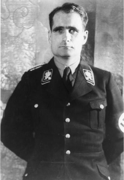 Rudolf Heß (*26.April 1894, †17.August 1987), Quelle: Unbekannt, Lizenz: CC BY-SA 3.0 de