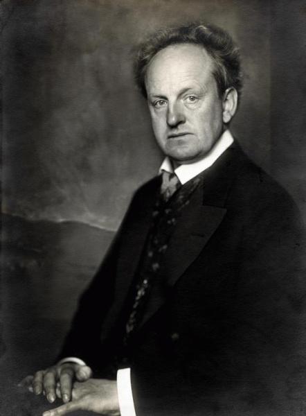 Gerhart Hauptmann (*15.November 1862, †06.Juni 1946), Quelle: Charles Scolik, Lizenz: Public domain