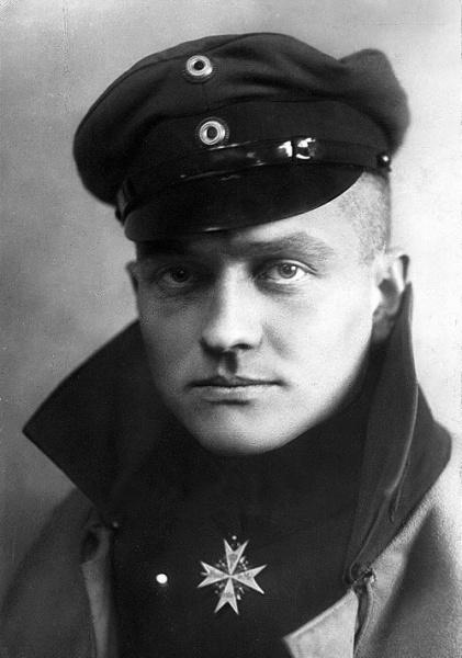 Manfred von Richthofen (*02.Mai 1892, †21.April 1918), Quelle: C. J. von Dühren, Lizenz: Public domain
