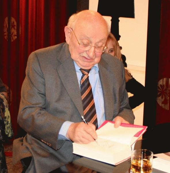 Marcel Reich-Ranicki (*02.Juni 1920, †18.September 2013), Quelle: Smalltown Boy in der Wikipedia auf Deutsch, Lizenz: CC-BY-SA-3.0