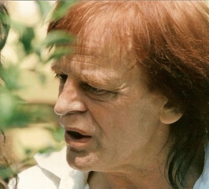 Klaus Kinski (*18. Oktober 1926, †23. November 1991), Quelle:   Klaus_Kinski_Cannes-(retouched).jpg: *Klaus_Kinski_Cannes.jpg: Georges Biard derivative work: Hic et nunc  derivative work: Pittigrilli  , Lizenz: CC BY-SA 3.0