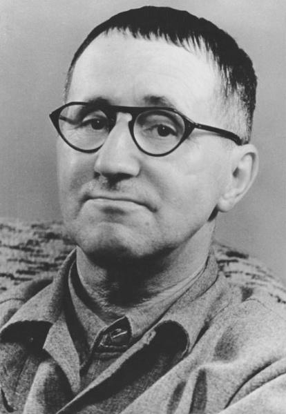 Bertolt Brecht (*10.Februar 1898, †14.August 1956), Quelle: Kolbe, Jörg, Lizenz: CC BY-SA 3.0 de